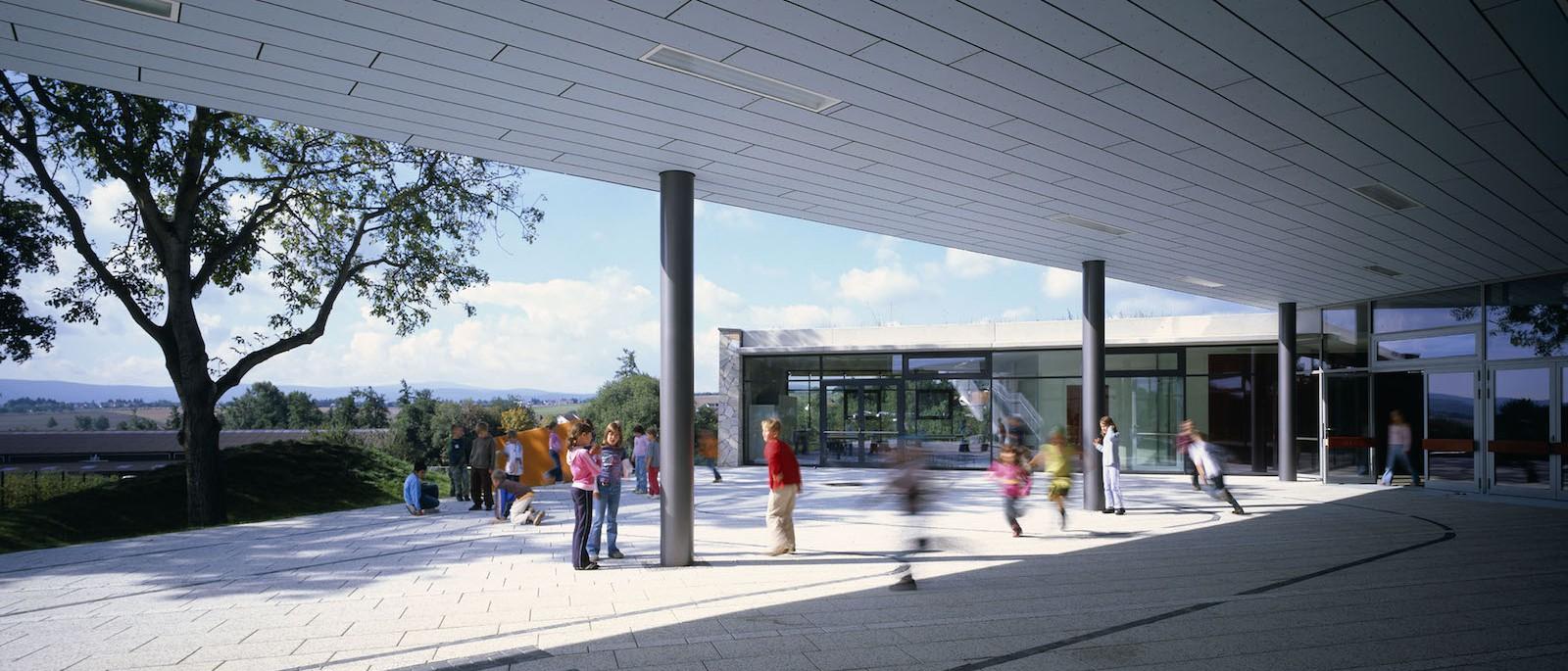 Buchfinken-Schule, Usingen: Pausenhof